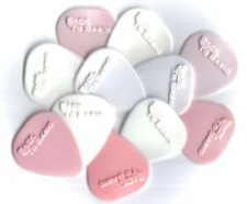 Custom moulded guitar picks by Pickfactory